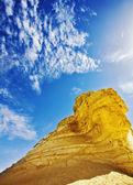 从砂岩,提醒狮身人面山 — 图库照片