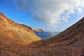 The picturesque rocky coastline — Stock Photo