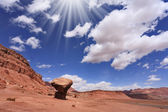 "The giant ""mushroom"" of sandstone and the midday sun — Stock Photo"