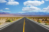 A trip to the high speed crossing Death Valley — Stock Photo