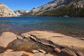 The mountain lake on pass Tioga — Stock Photo