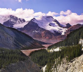 Majestic mountain landscape, glaciers and the snow slopes — Stock Photo
