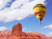 "The balloon over double ""Sphinx"" — Stock Photo"