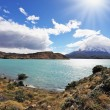 The turquoise lake Pehoe in park Torres del Paine, Chile — Стоковая фотография