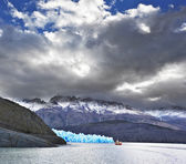 The Patagonia in the clouds and sunshine — ストック写真