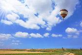 Scenic hot air balloon — ストック写真