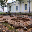 History excavations near old-time building — Stockfoto