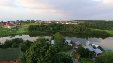 Panorama of Ptitsegradsky pond. Sergiev Posad. Moscow region. Russia. — Vídeo de stock