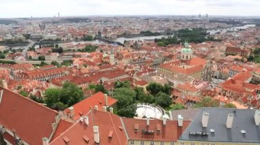 Historical center of Prague (View from the tower of Saint Vitus Cathedral). — Vidéo