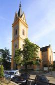 Igreja na cidade de Hluboka nad Vltavou. — Fotografia Stock