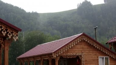 Heavy rain in the mountains. Altai Krai. Russia. — Vídeo de stock