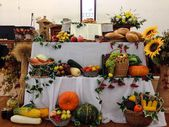 Thanksgiving settings and decorations in a Russian evangelical church. — Stock Photo