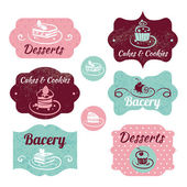 Set of vintage bakery labels. Vintage frames with cupcakes — Stock Vector