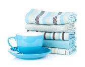 Kuchyňské utěrky a šálek kávy — Stock fotografie
