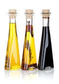 L'huile d'olive et les bouteilles de vinaigre — Photo