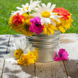 Fresh garden flower bouquet — Stock Photo