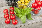 Färsk mogen livsmedelsingredienser — Stockfoto