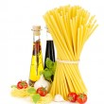 Pasta, tomatoes, basil, olive oil, vinegar, garlic and parmesan — Stock Photo