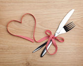 Valentine's Day heart and silverware — Stock Photo