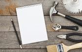 Conjunto de ferramentas no fundo madeira — Foto Stock