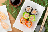 Sushi maki and shrimp sushi — Foto Stock