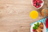 Healty breakfast with muesli, berries, orange juice, coffee and  — Stock Photo