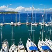 Porto turistico all'isola di corfù in grecia — Foto Stock
