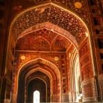 Mosque at the Taj Mahal. Agra, Uttar Pradesh, India — Stock Photo #24185927