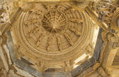 Ceiling in Ranakpur Chaumukha temple, Rajasthan — Stock Photo