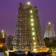 MADURAI, INDIA - MARCH 3: Meenakshi temple - one of the biggest and oldest Indian temples — Stock Photo