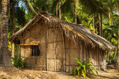 Straw hut on Paradise beach in Goa, India — Stock Photo