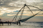 Chinese visnet bij zonsopgang in cochin (fort kochi), kerala, ik — Stockfoto