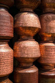 Copper cooking pots at the market in India — Stok fotoğraf