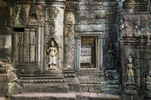 Apsara, stone carvings on the wall of Angkor Ta Prohm temple — Stock Photo