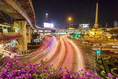 City traffic around Victory Monument — Stockfoto