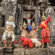 Cambodians in national dresses — Stockfoto