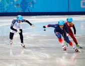 Мужчины 500 м нагревается шорт-трек — Стоковое фото