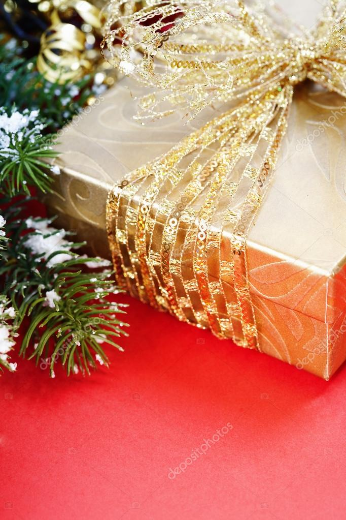 Christmas composition with gift box and decorations — Stock Photo #16922797