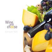 红酒、 奶酪和葡萄 — 图库照片