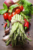 Fresh green asparagus and vegetables — Stock Photo