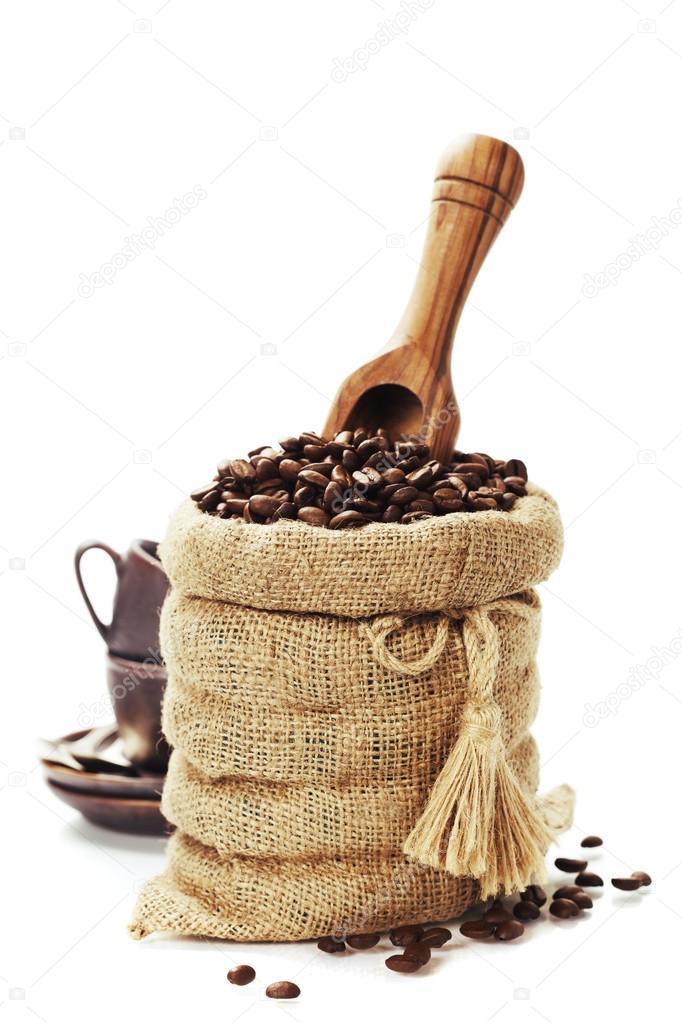 granos de caf en bolsa de arpillera u foto de stock u