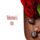 St. Valentine's Day roses and chocolate — 图库照片