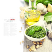 Freshly made pesto — Stock Photo