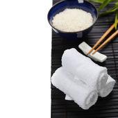 Chopsticks, rice and towels — Zdjęcie stockowe