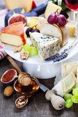 Wino i ser — Zdjęcie stockowe