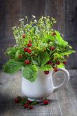 Bouquet of wild strawberry — Stock Photo