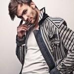 Elegant young handsome man. Studio fashion portrait. — Stock Photo #11076091