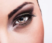 Woman eye with beautiful makeup — Stock Photo