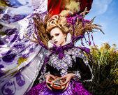 Zdramatizované obrázek smyslné dívky, symbolizující podzim — Stock fotografie