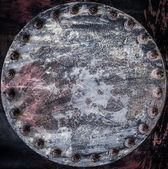 旧的粗糙管连接与八个螺栓法兰的特写视图 — 图库照片
